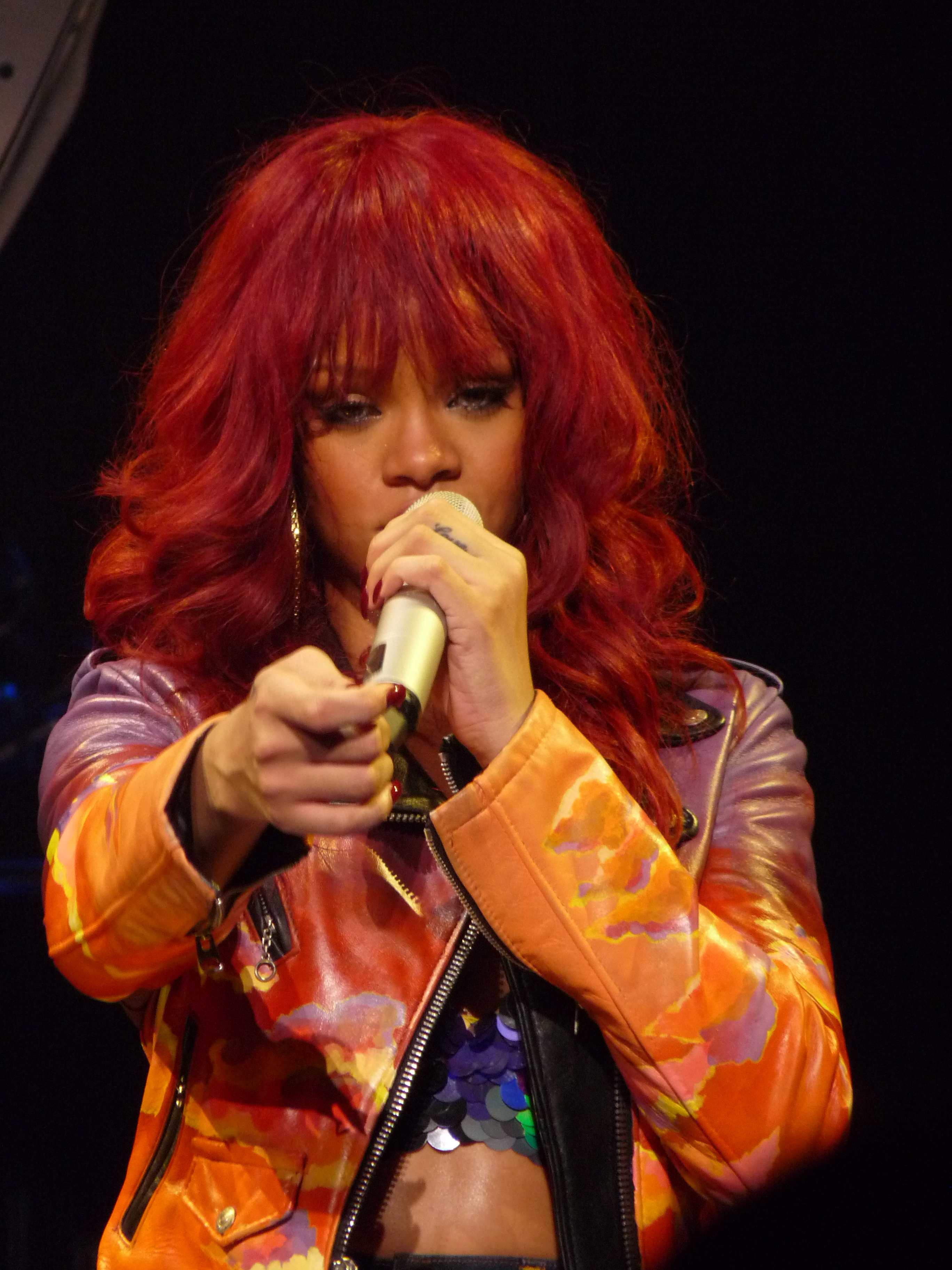 Rihanna work live 3 with drake 4