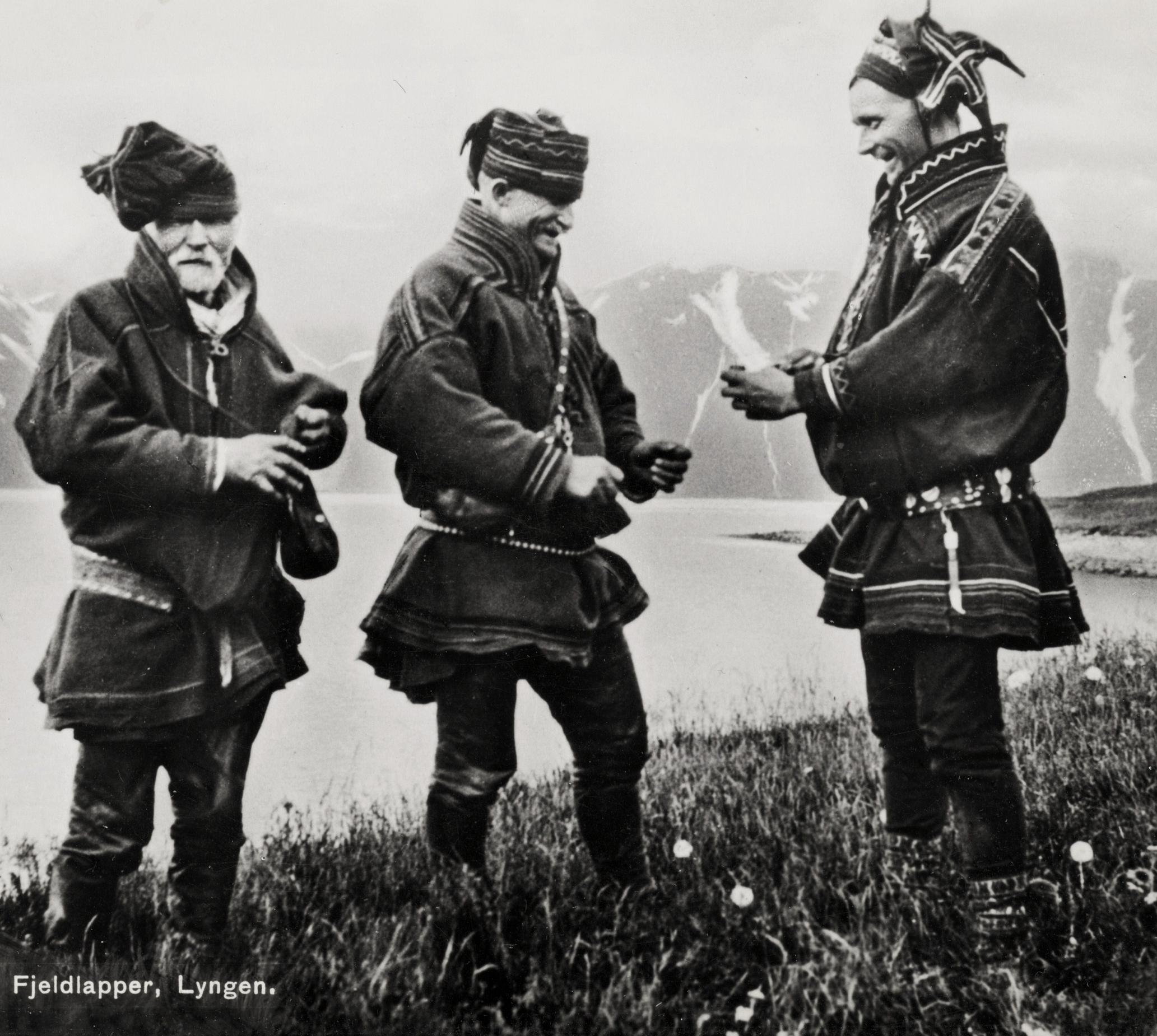 sami norway 1920 saami lyngen troms exchanging norwegian tobacco history file reindeer weir exhanging sami indigenous woman sweden gene clark