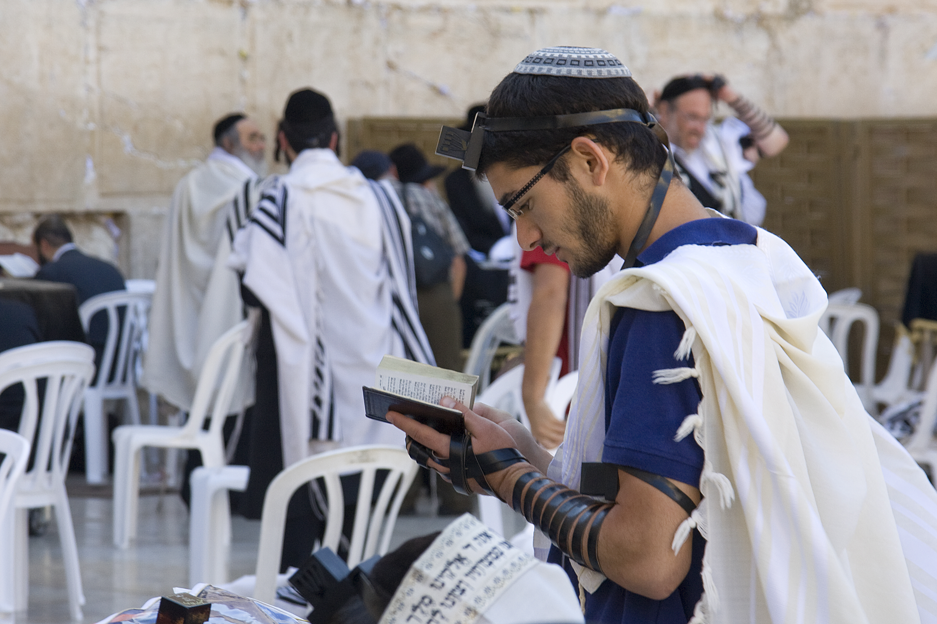 Women Wearing Tallit Under Clothes Everyday