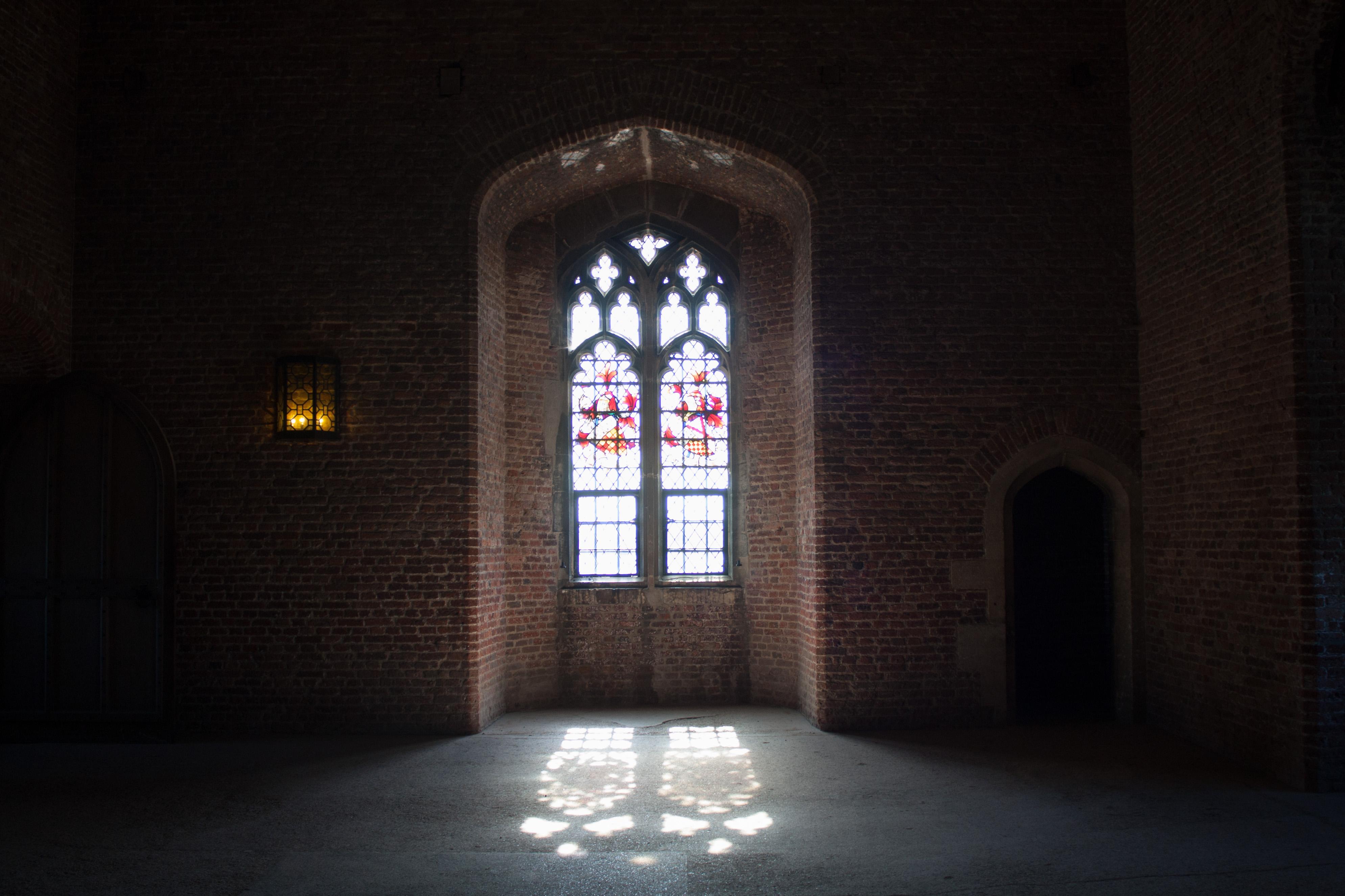 file:tattershall castle interior window - wikimedia commons