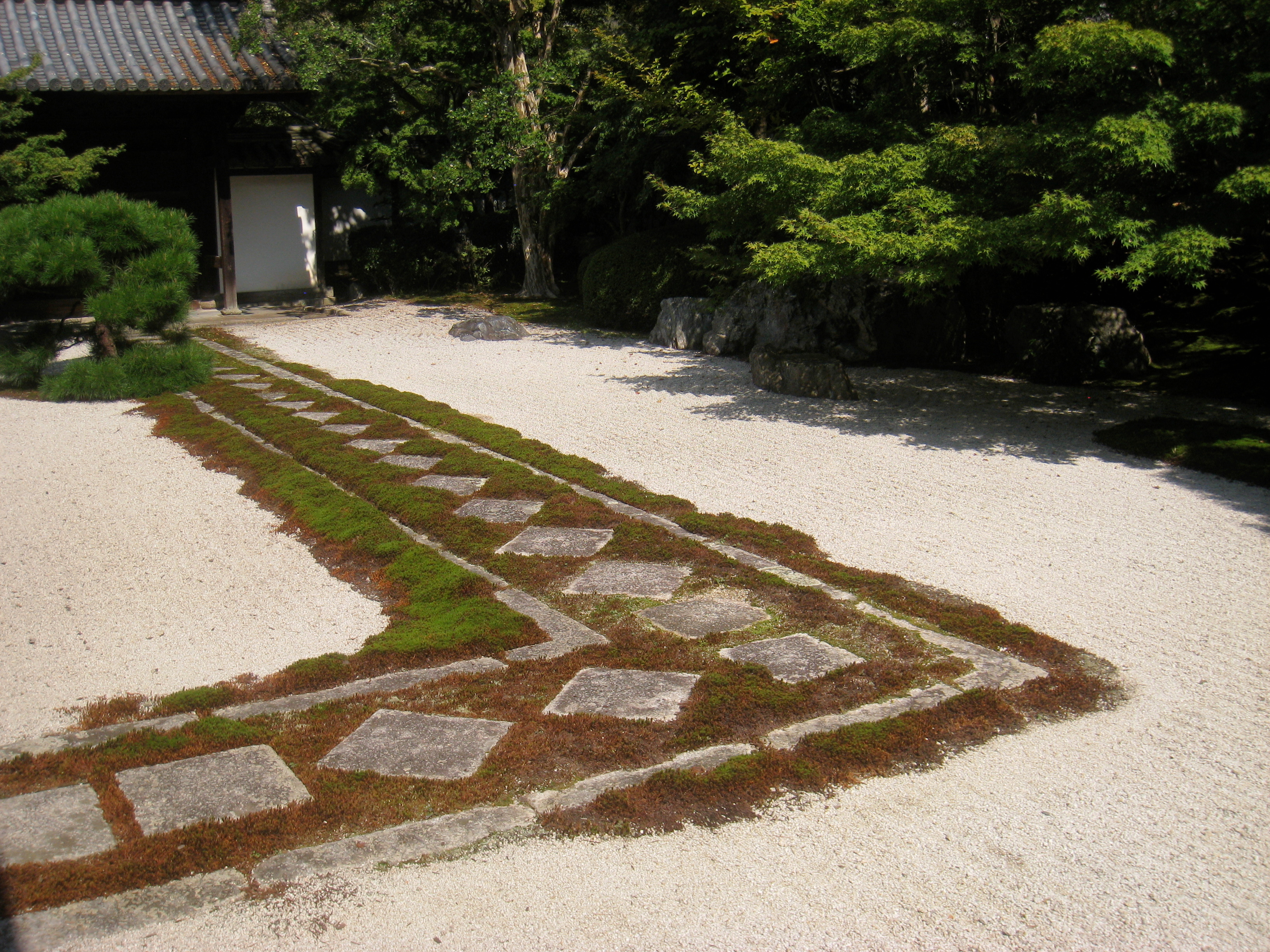 File:Tenjuan stone garden - Nanzenji - IMG 5353.JPG - Wikimedia Commons