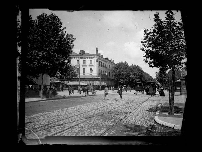 File:Toulouse. Café Albrighi. Juillet 1905 (1905) - 51Fi1 - Fonds Trutat.jpg