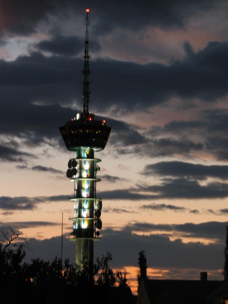 tyholttårnet åpningstider