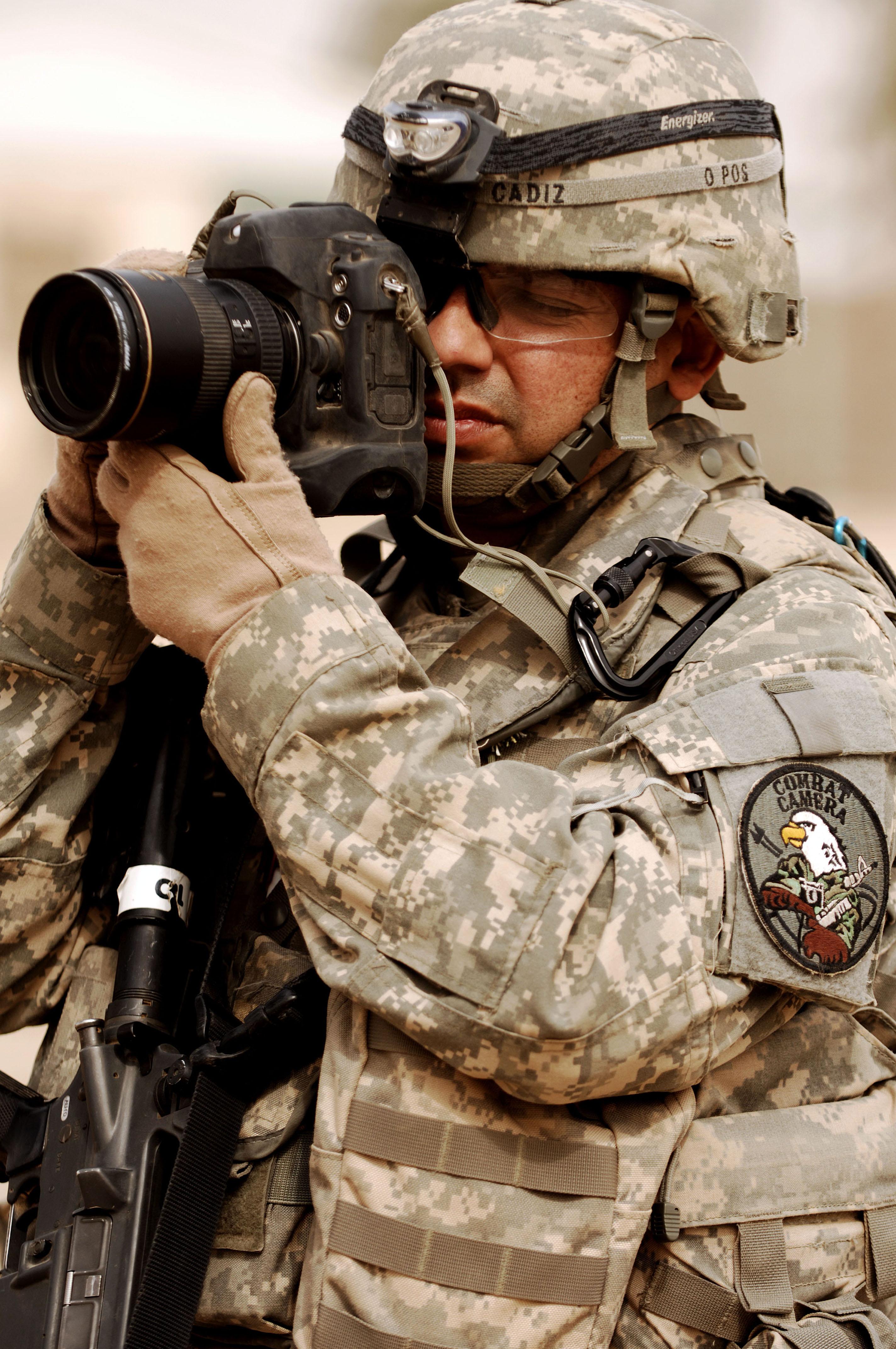 Fileus Air Force Tech Sgt Adrian Cadiz A Combat Cameraman