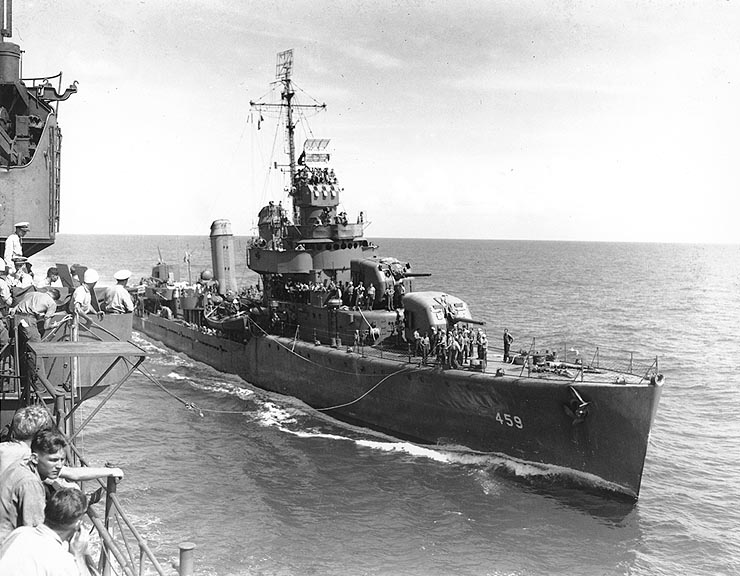 البحرية الامريكية فى الحرب العالمية الثانية  USS_Laffey_%28DD-459%29