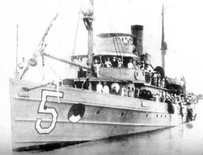 USS Tanager with members of the 1923 Tanager Expedition USS Tanager (AM-5).jpg