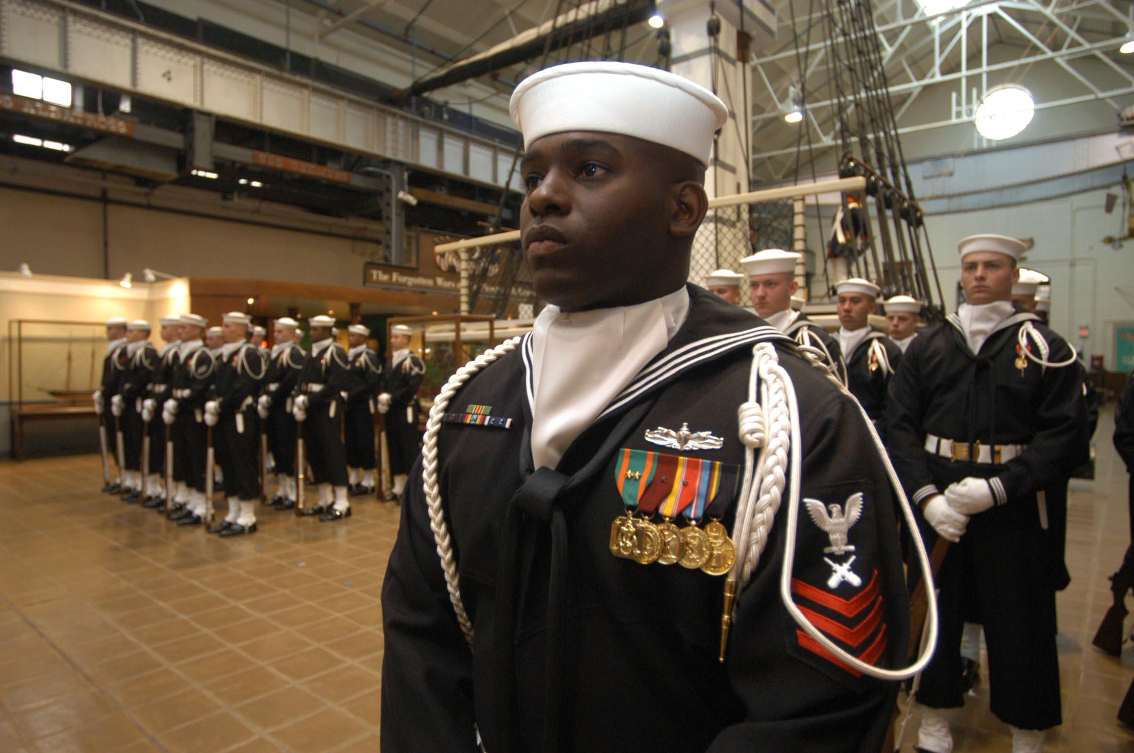 Fileus Navy 031210 N 2383b 029 Us Navy Ceremonial Guard Sailors - Us-navy-ceremonial-guard