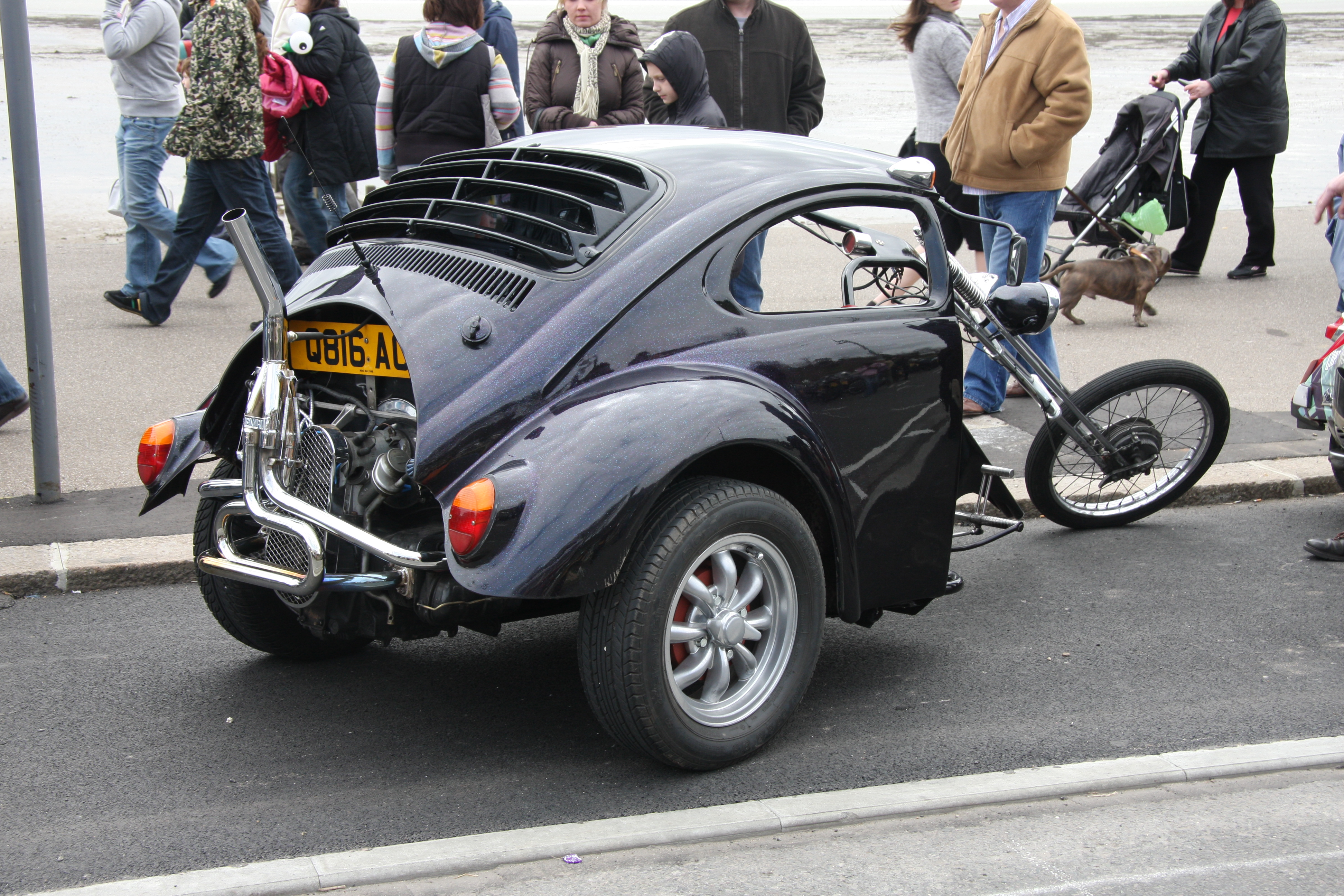 Description VW Beetle trike - Flickr - exfordy (1).jpg