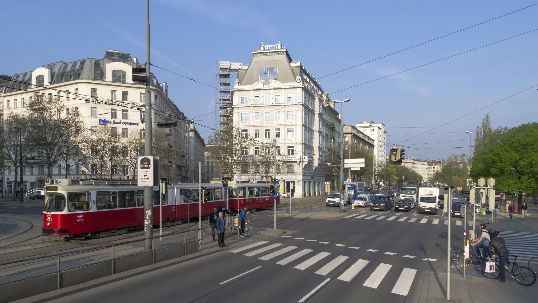 Wien 01 Julius-Raab-Platz a.jpg
