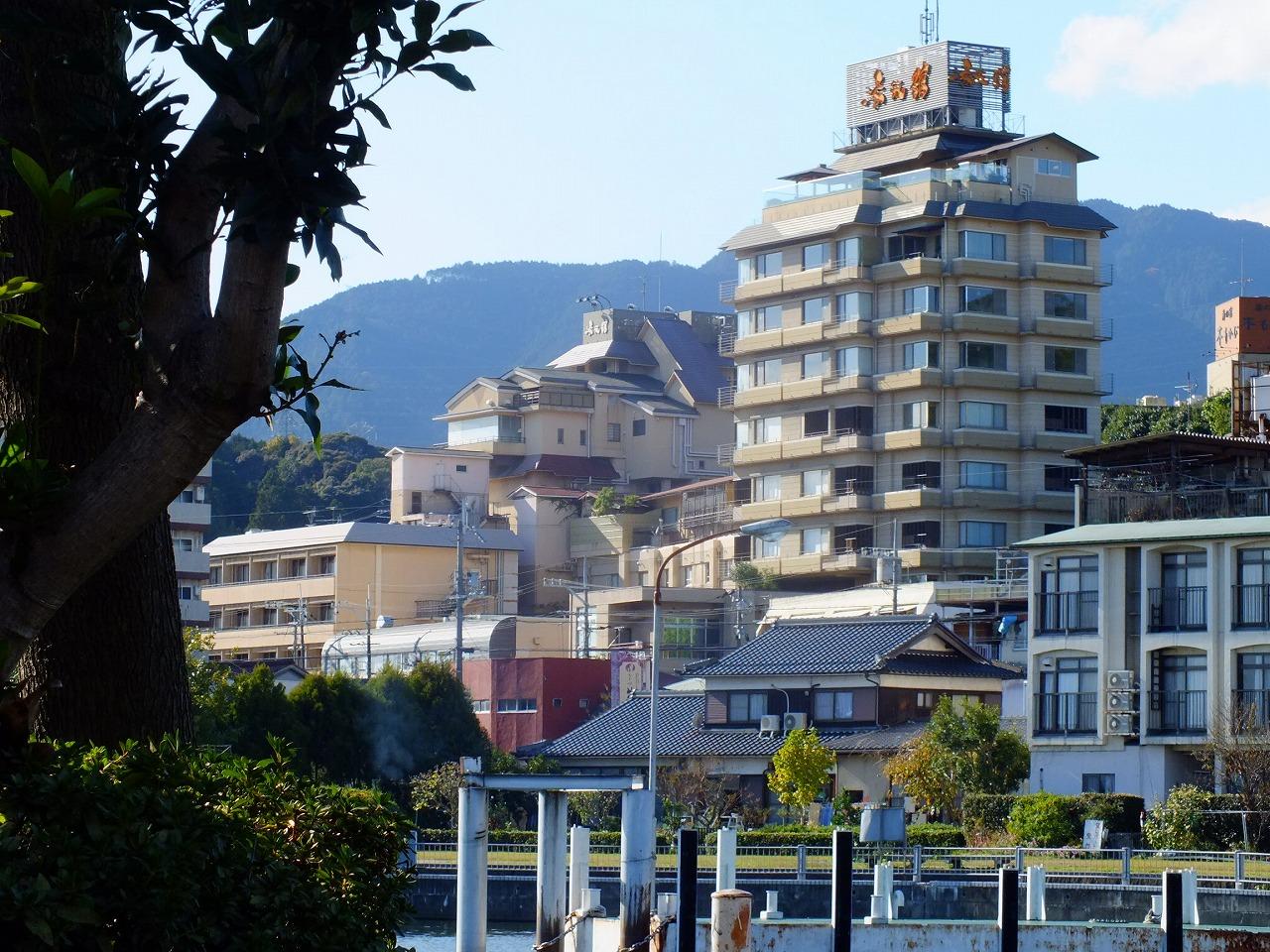 Yumotokan-Ogoto onsen & Ogoto port.jpg