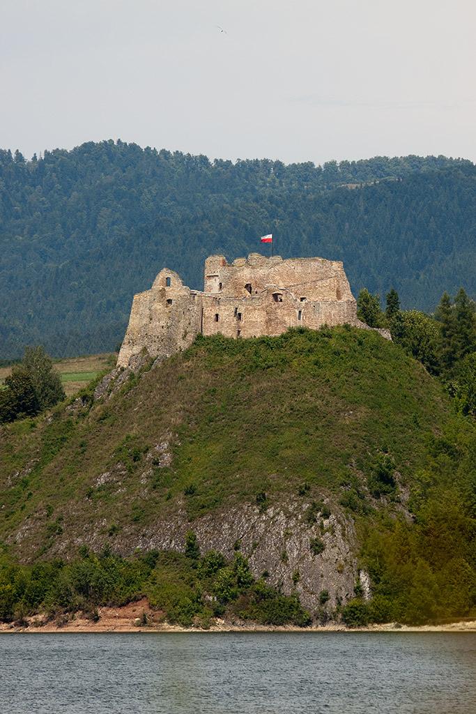 Zamek W Czorsztynie on Famous Car Scene