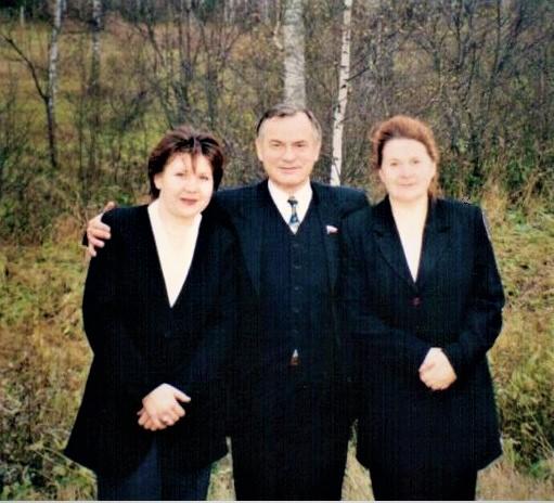 File:Х. Барлыбаев — депутат Государственной думы третьего созыва, депутат ГС РБ . Г. Ситдыкова и журналистка.jpg