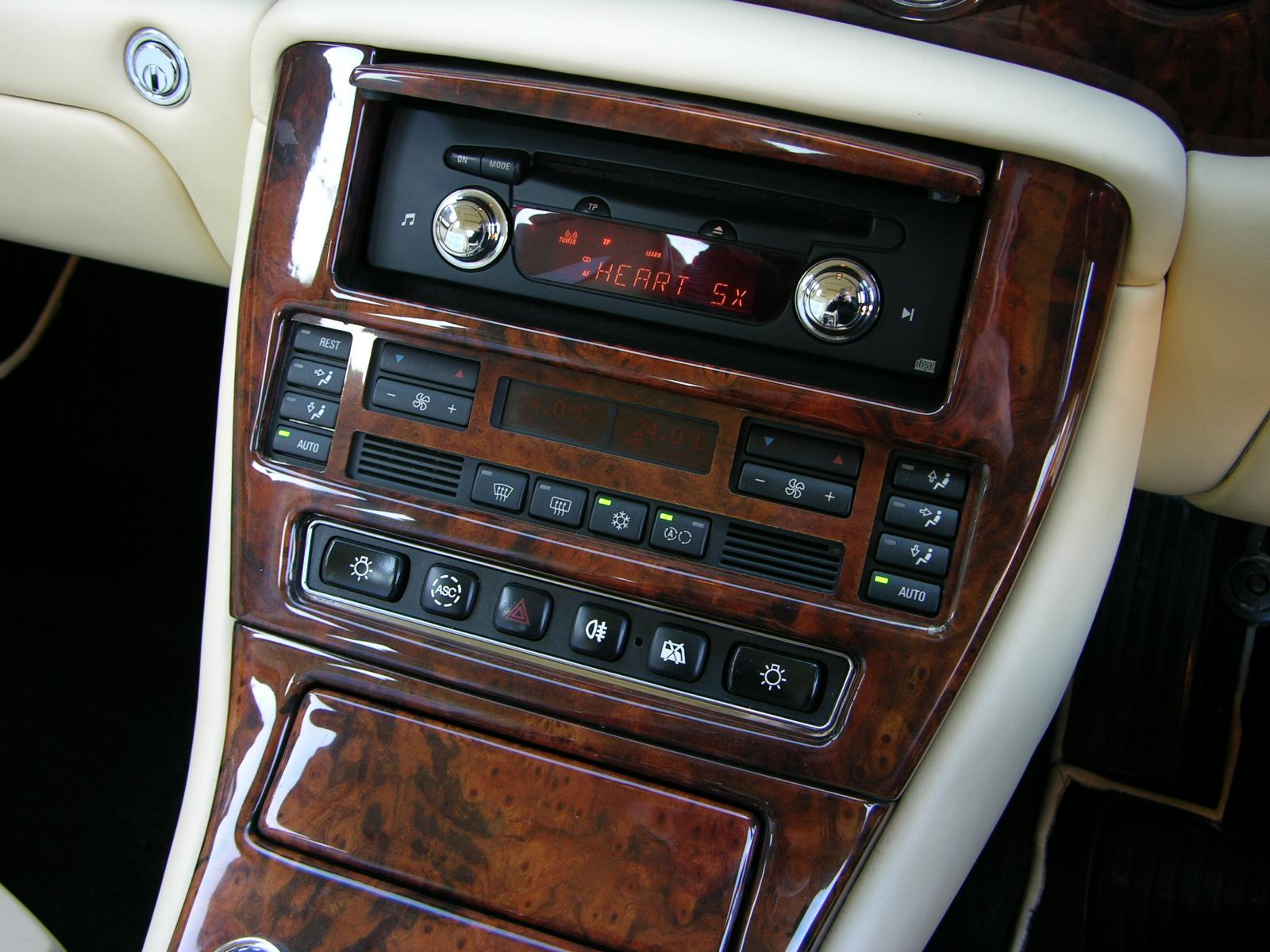 File2001 bentley arnage red label flickr the car spy 8g file2001 bentley arnage red label flickr the car spy 8 vanachro Choice Image