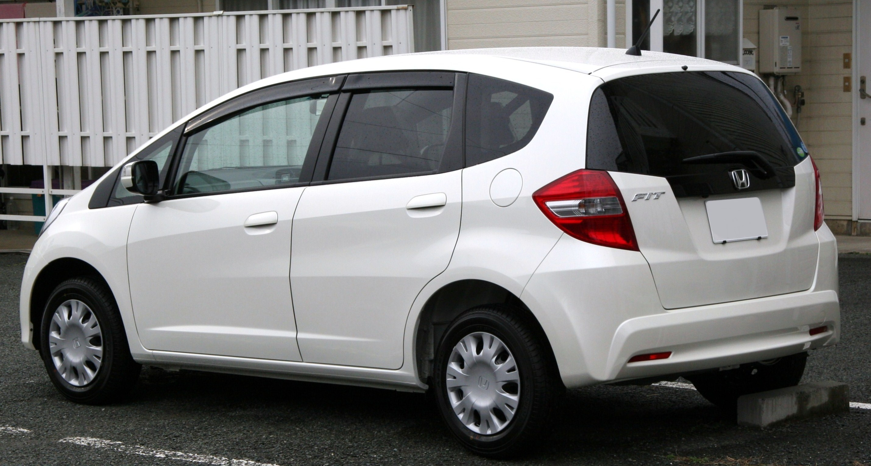 2010 Honda Fit 1.3 rear.jpg