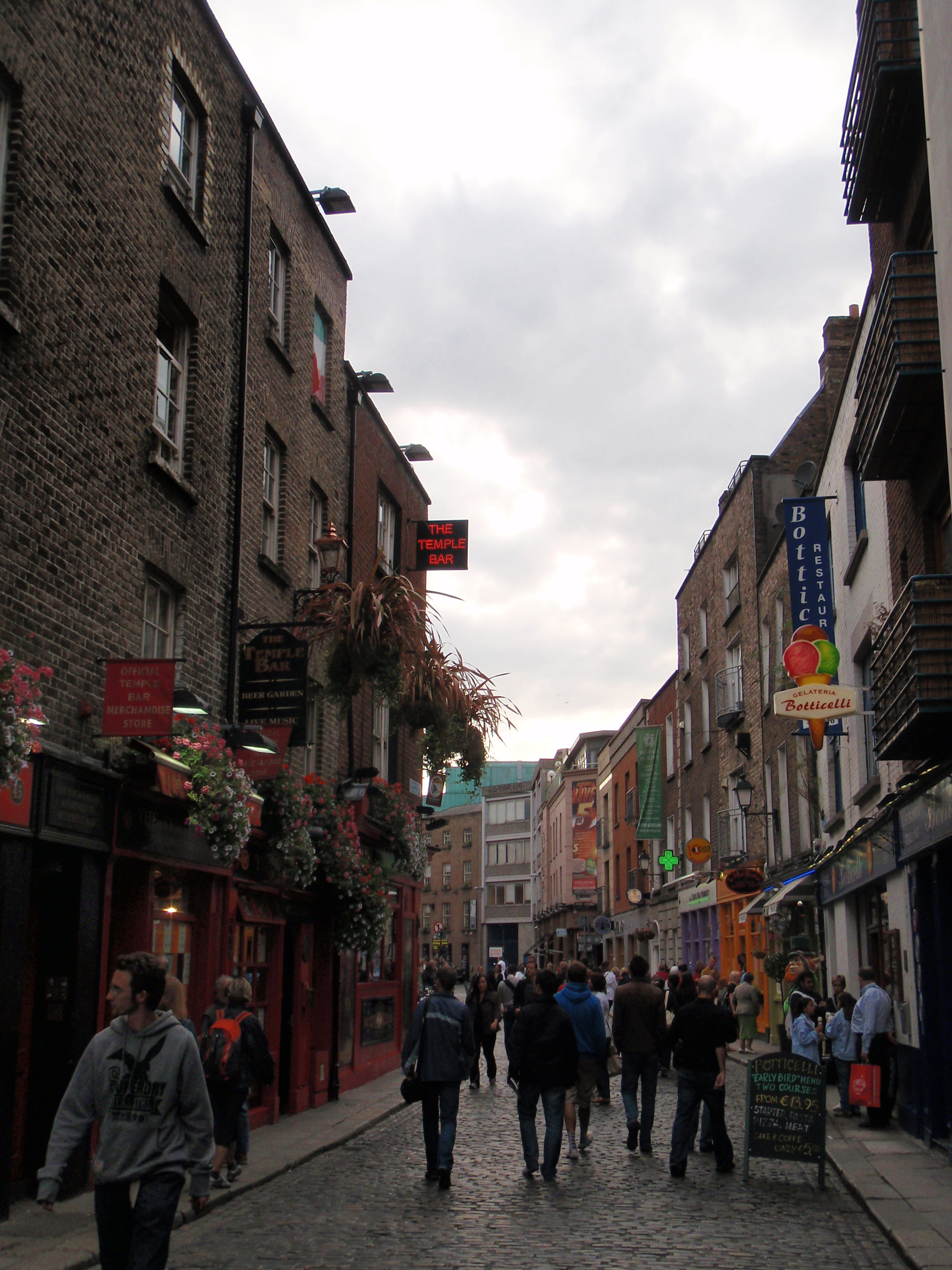 File 227 Temple Bar Dublin Jpg