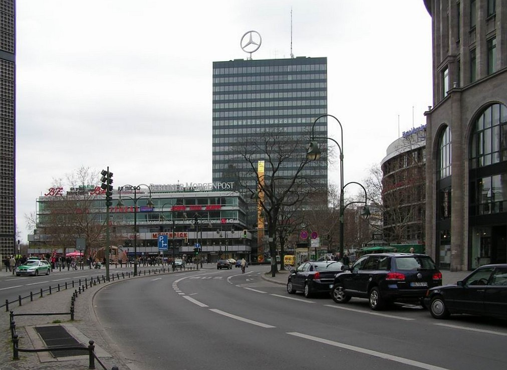 berlin center Travel to berlin and stay at our hostel a&o berlin mitte discover the historic sights of the capital of germany – a&o hotels and hostels in berlin.