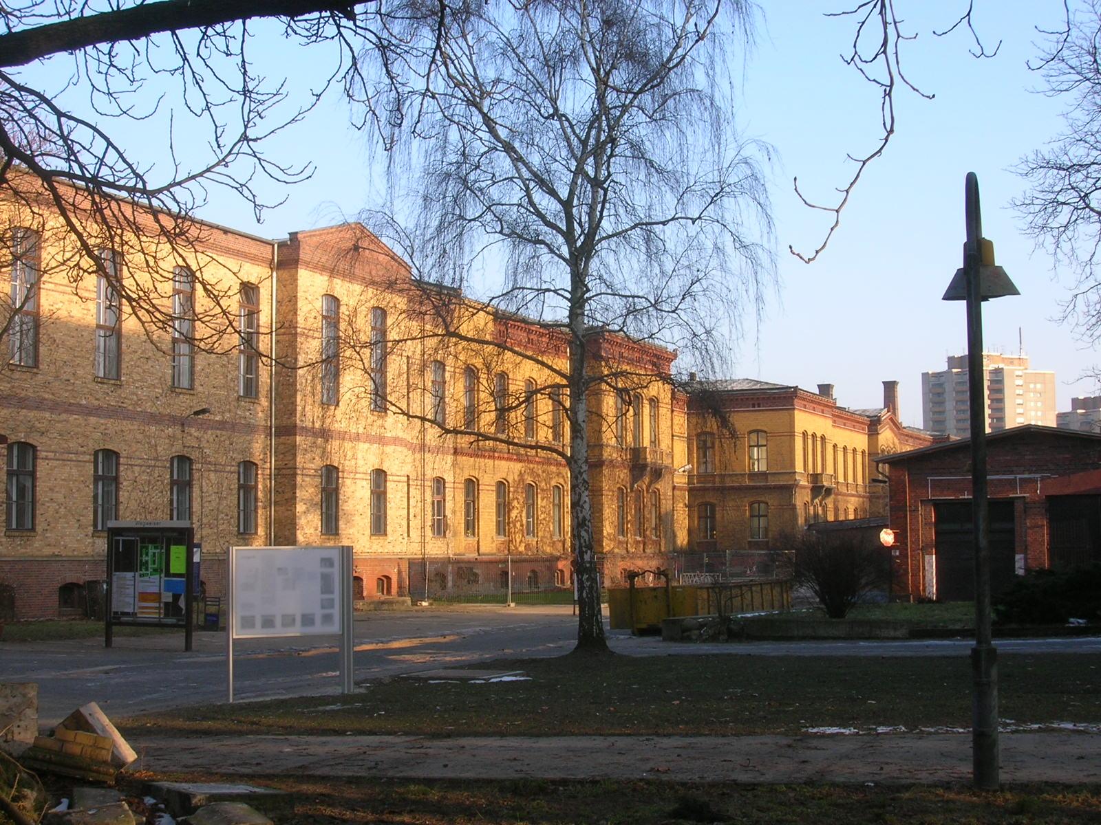 Berlin Pankow Bezirksamt Fröbelstraße - Quelle: Wikimedia