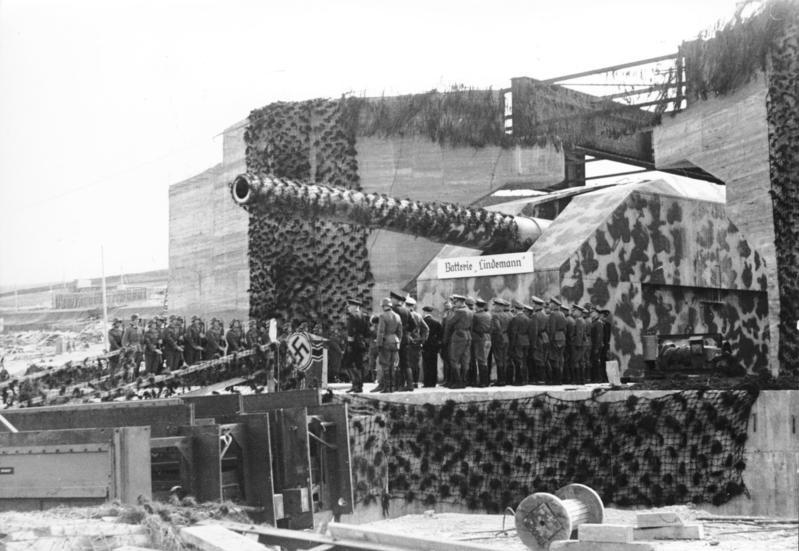Heavy coastal artillery