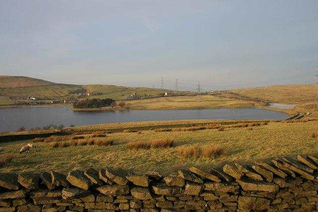 Clowbridge Reservoir - geograph.org.uk - 1122325