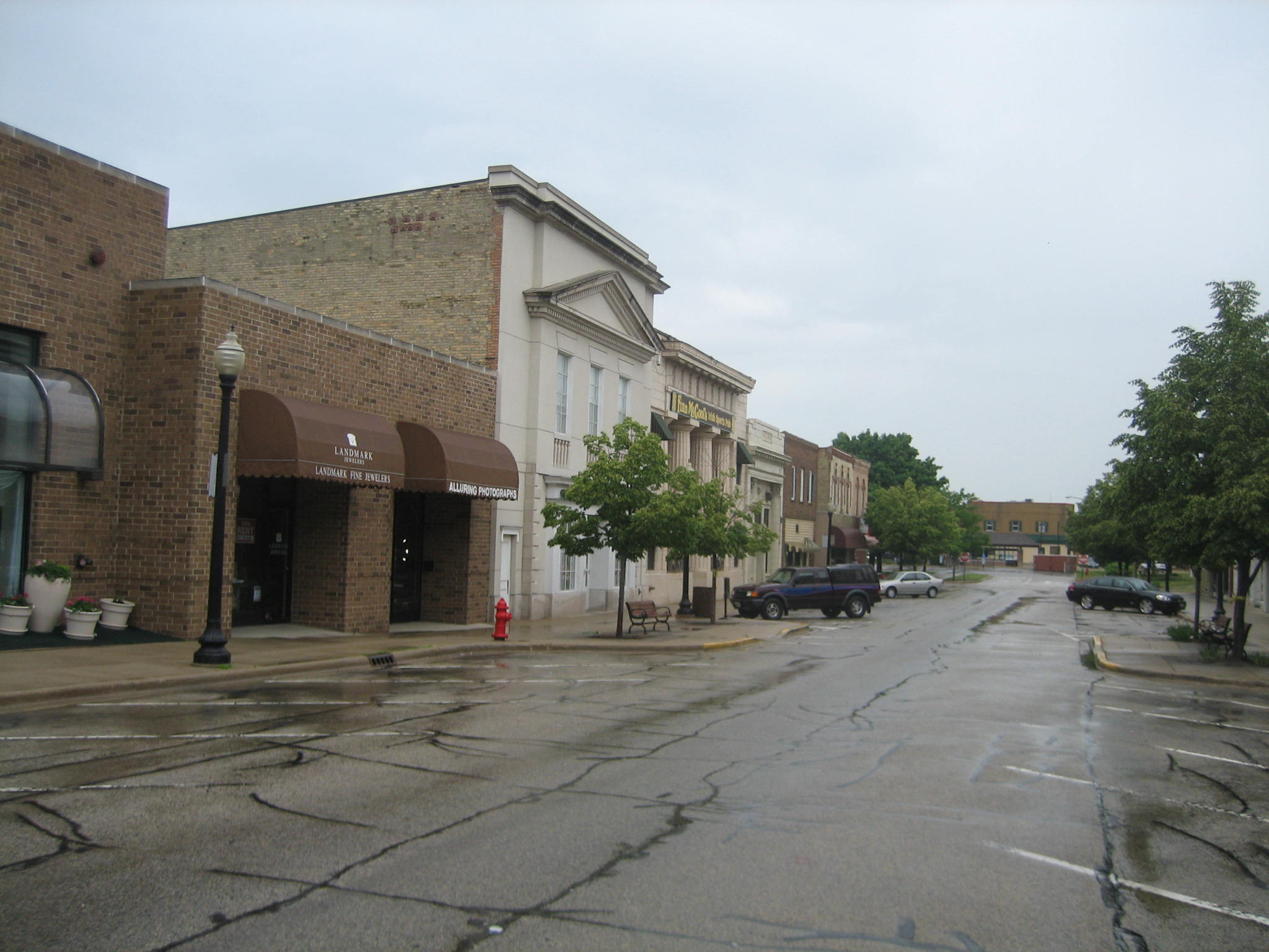 Crystal Lake Il >> File Crystal Lake Il Downtown1 Jpg Wikimedia Commons
