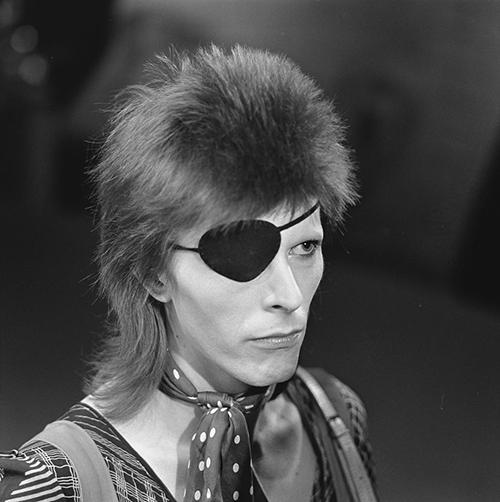 David Bowie - TopPop 1974 04