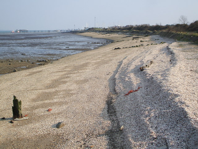 Dibden Bay at Low Tide - geograph.org.uk - 386918