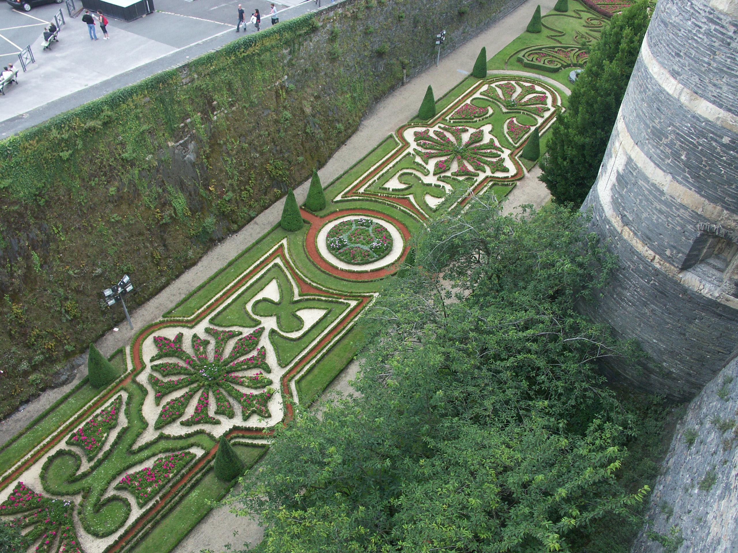 File Douve fleurie du château d Angers JPG Wikimedia mons