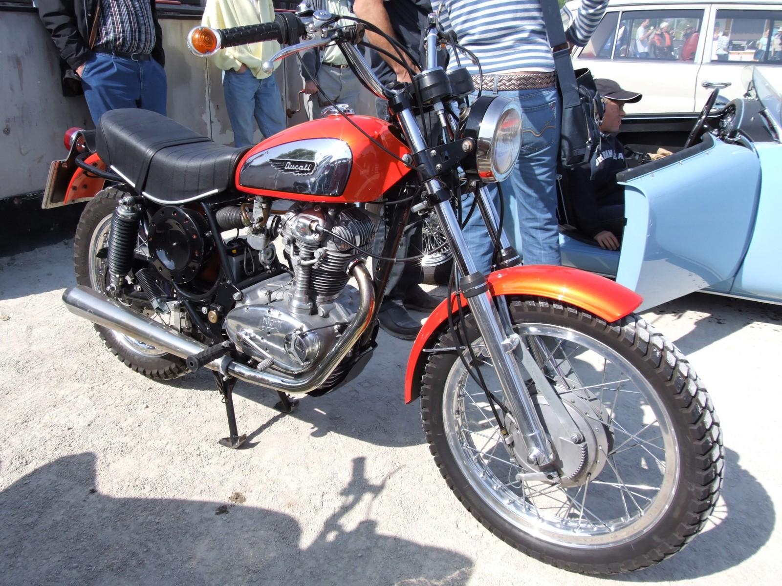 Ducati Scrambler Cafe Racer First Ride
