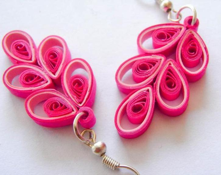 File:Earrings-quilling.jpg
