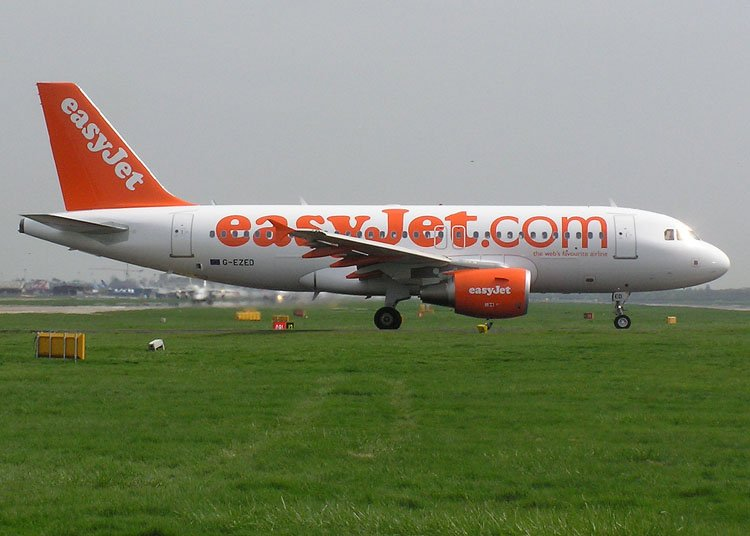 easyjet a319 - photo #1