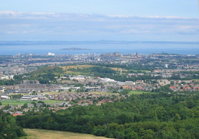 Edinburgh from White Hill, Bonaly Country Park - geograph.org.uk - 32304