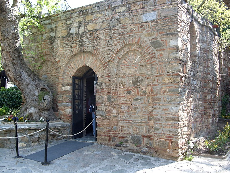File:Efeso - Santuario della Casa di Maria - panoramio.jpg - Wikimedia Commons