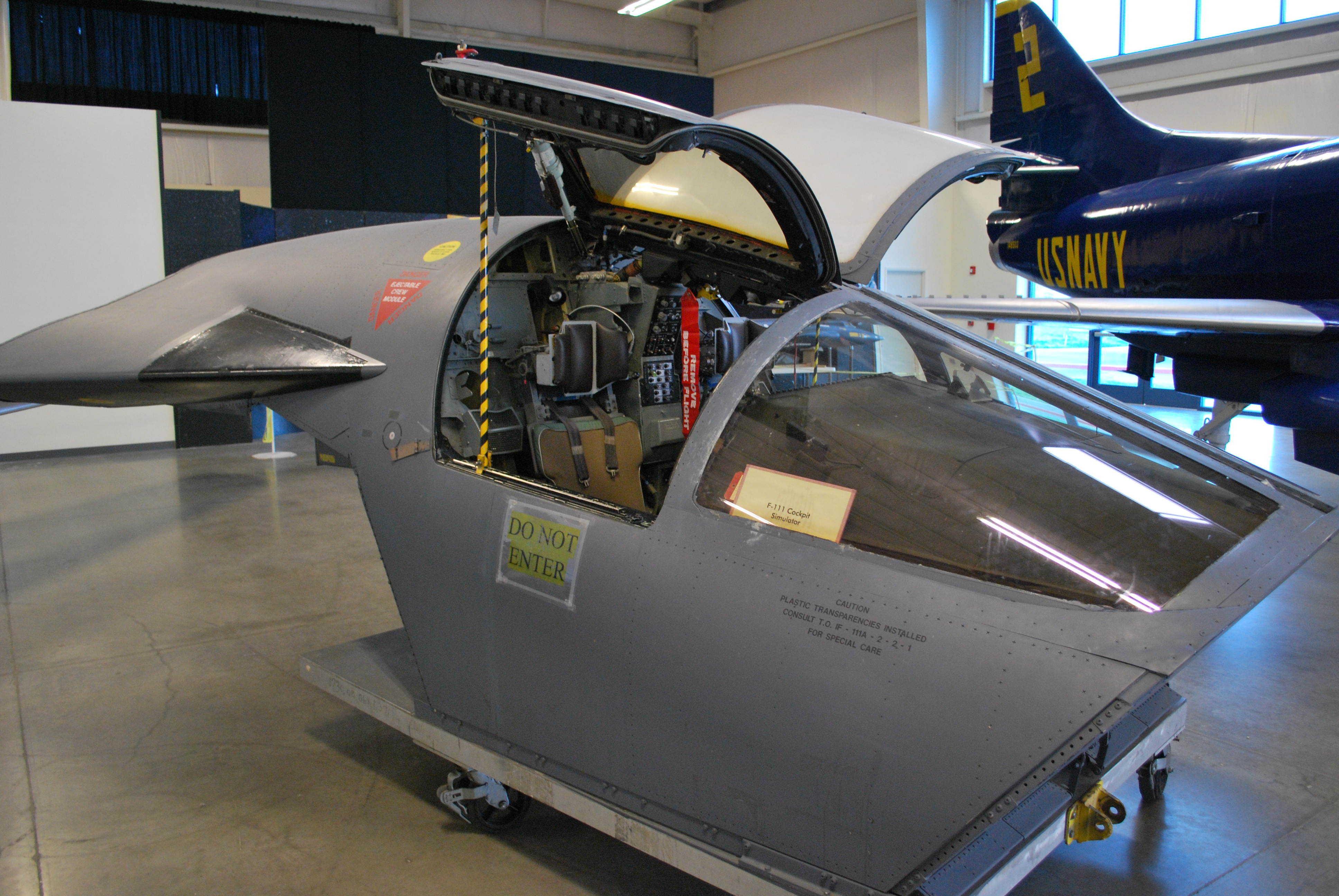 File:F-111 cockpit similuator.jpg - Wikimedia Commons