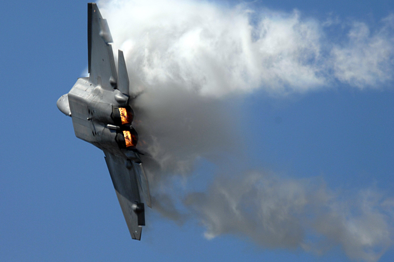 F-22 Raptor - 070401-F-6701P-046.jpg