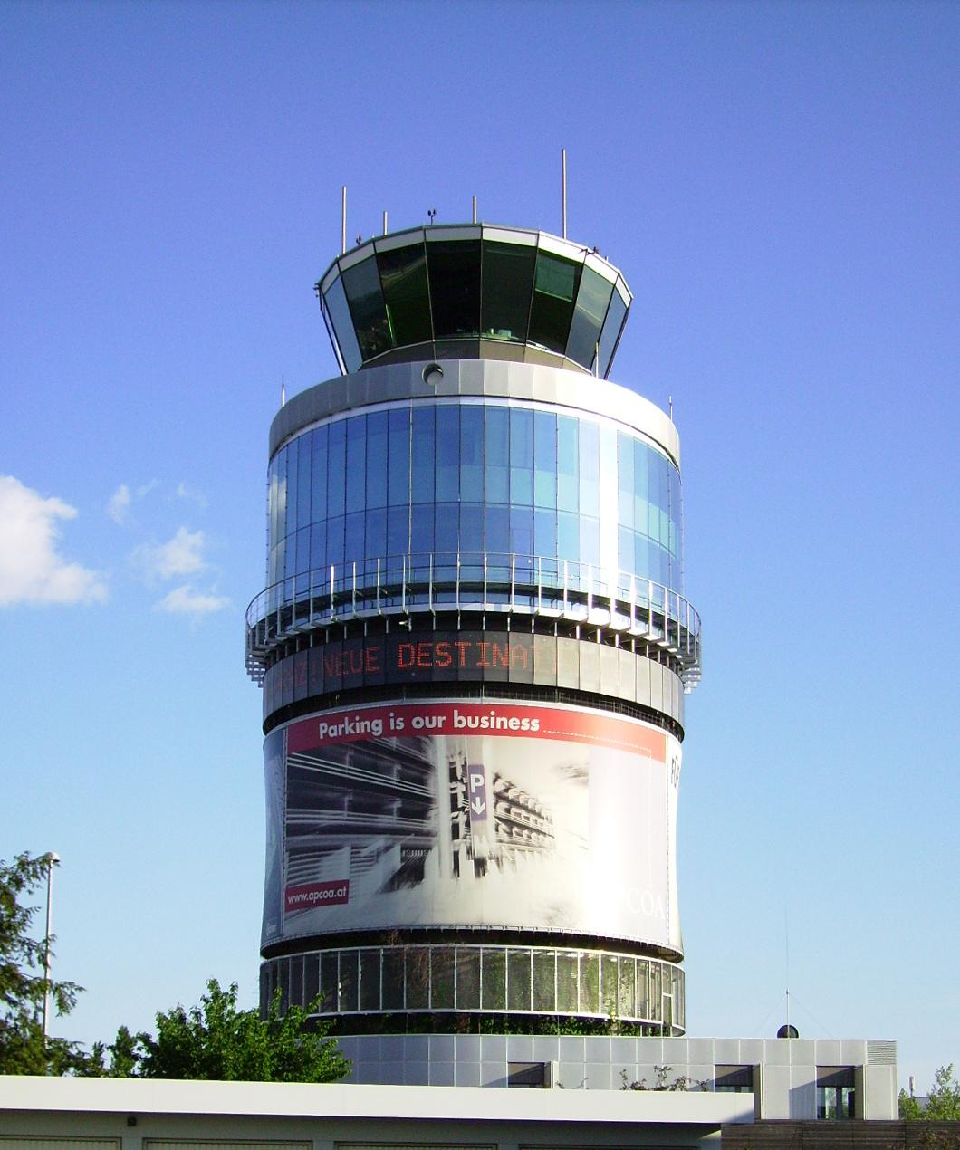 Tower des Flughafens Graz-Thalerhof (2008)