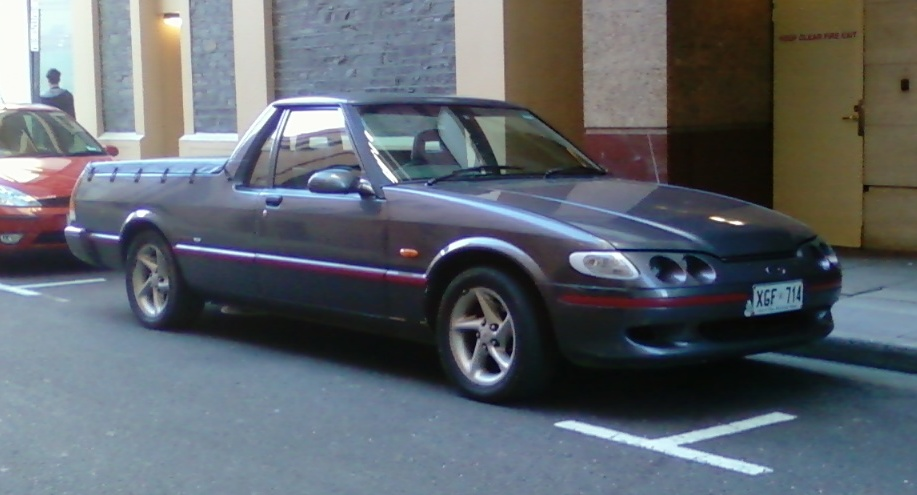Build A Ford >> File:Ford XH Falcon Longreach XR6 Ute.jpg - Wikimedia Commons
