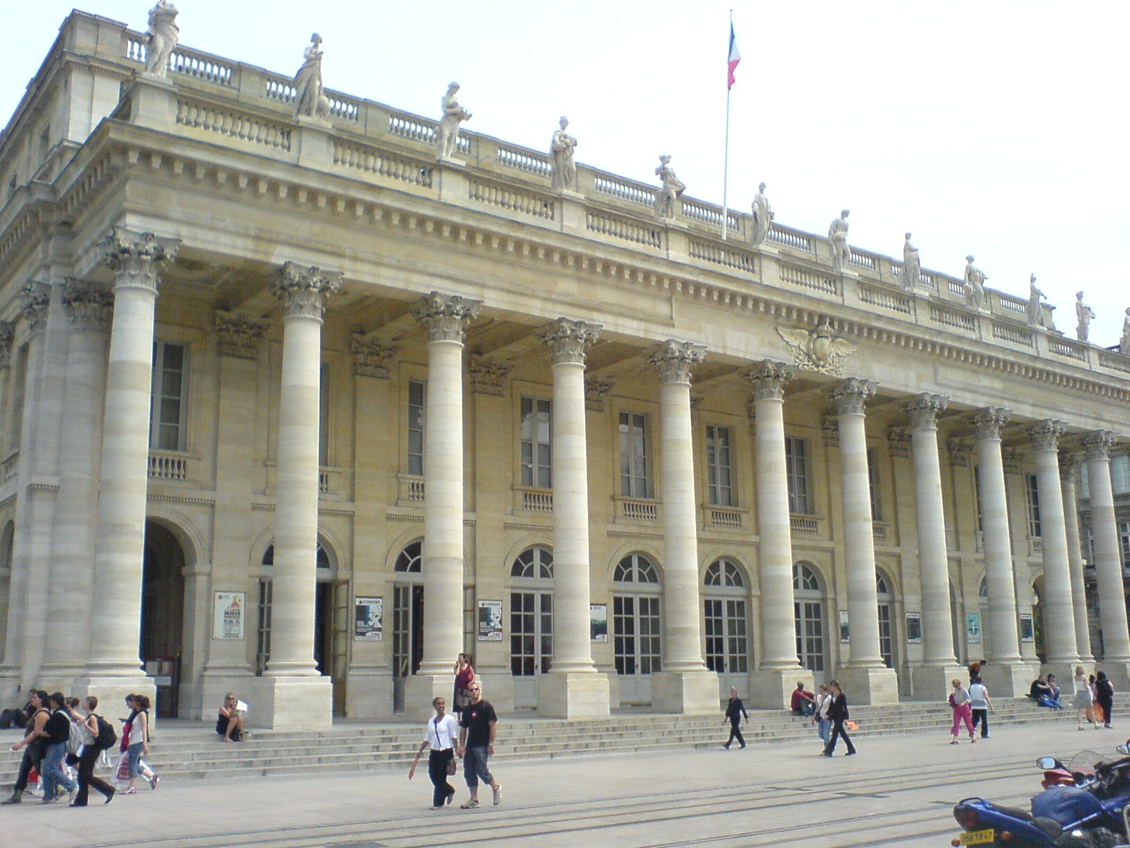 File:Grand Theatre Bordeaux.JPG - Wikimedia Commons