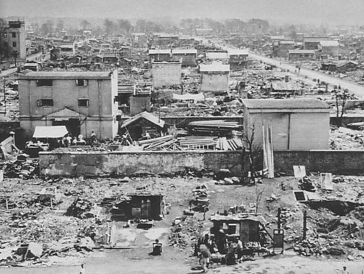 ファイル:Hachioji after the 1945 air raid.JPG
