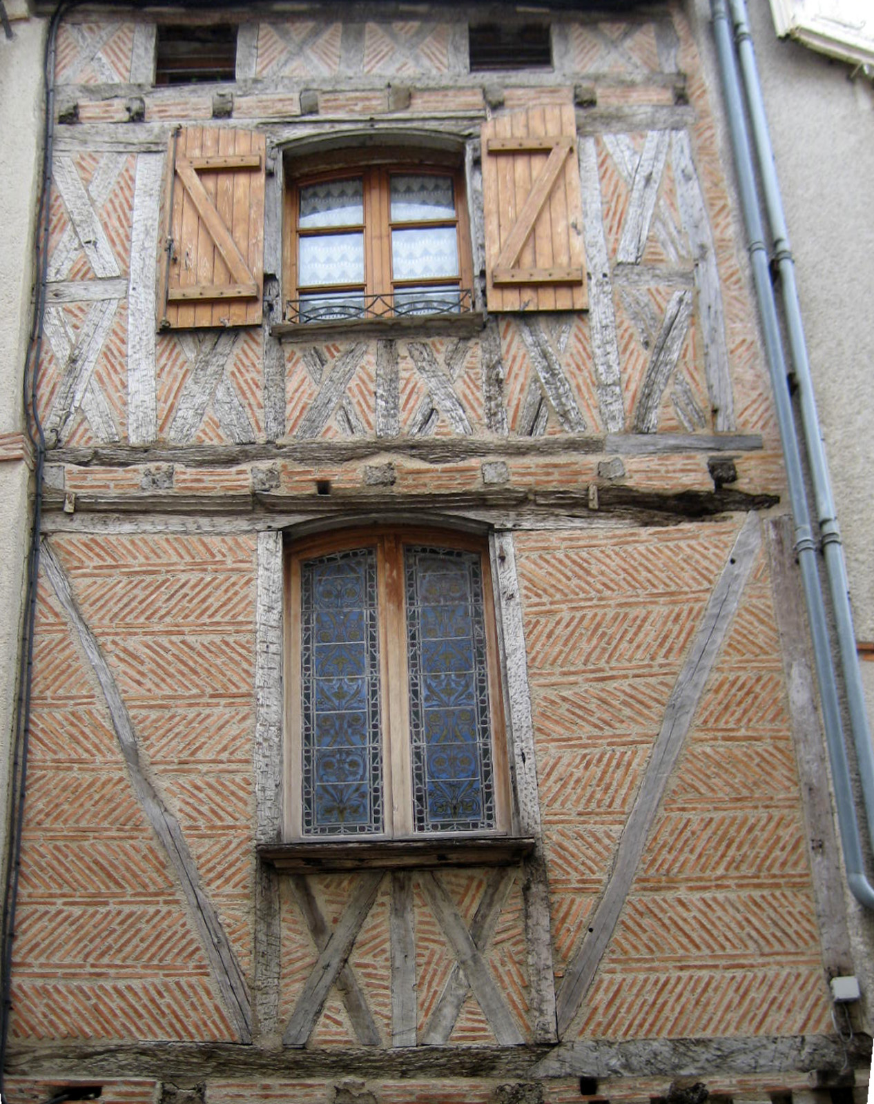 File:Half-timbered house, Agen, département de Lot-et-Garonne, France. Maison à colombages, Agen. - panoramio.jpg