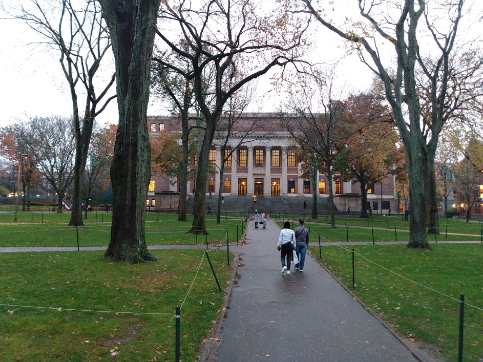 Harvard to Phase Out Fossil Fuel Investments