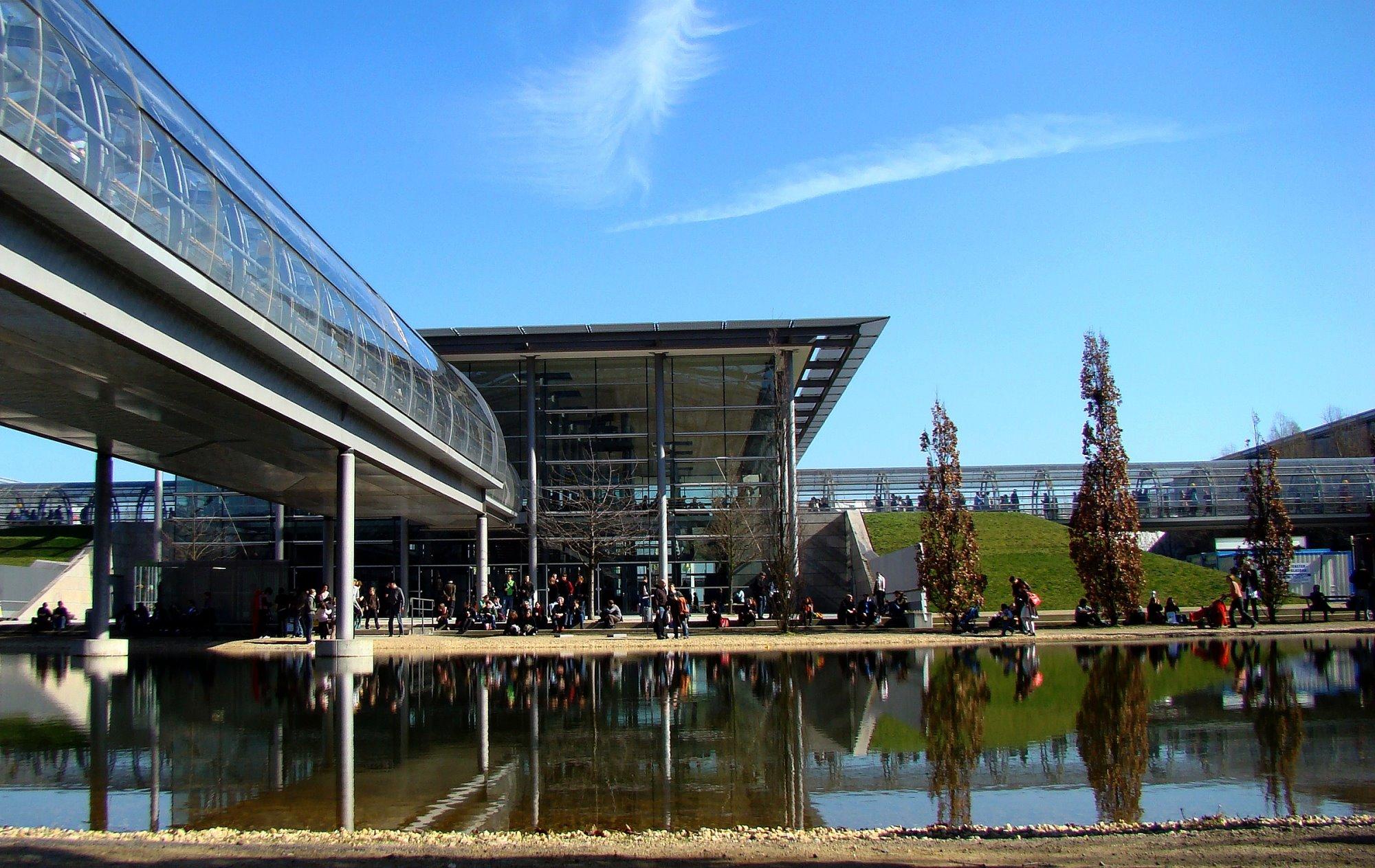 File:Leipzig Messe Eingang Ost 2.jpg - Wikimedia Commons