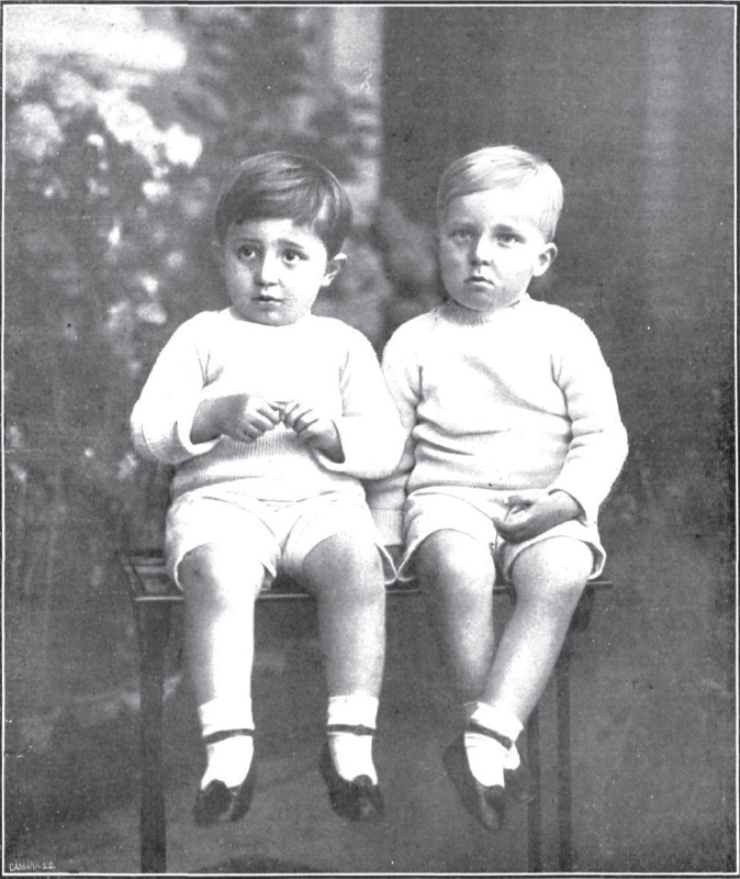 Jaime junto a su hermano Alfonso,
