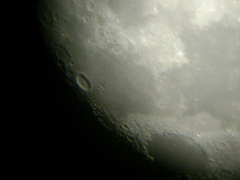 Ficheiro:Lua 180mm 8 megapixel.jpg