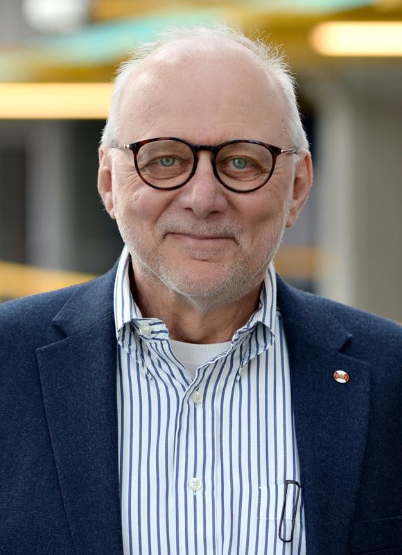 M. Tamer Özsu in 2018