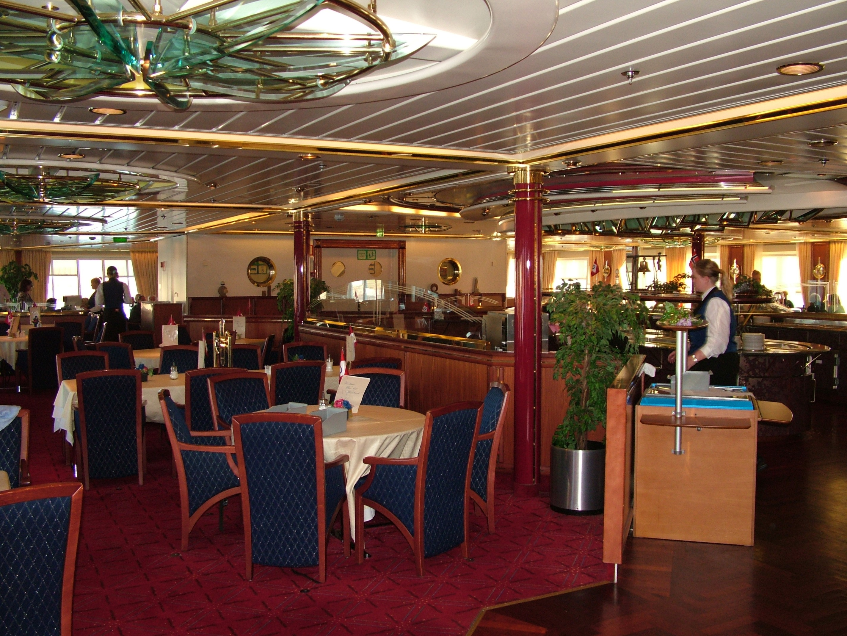 File:MS Nordnorge Restaurant.jpg - Wikimedia Commons