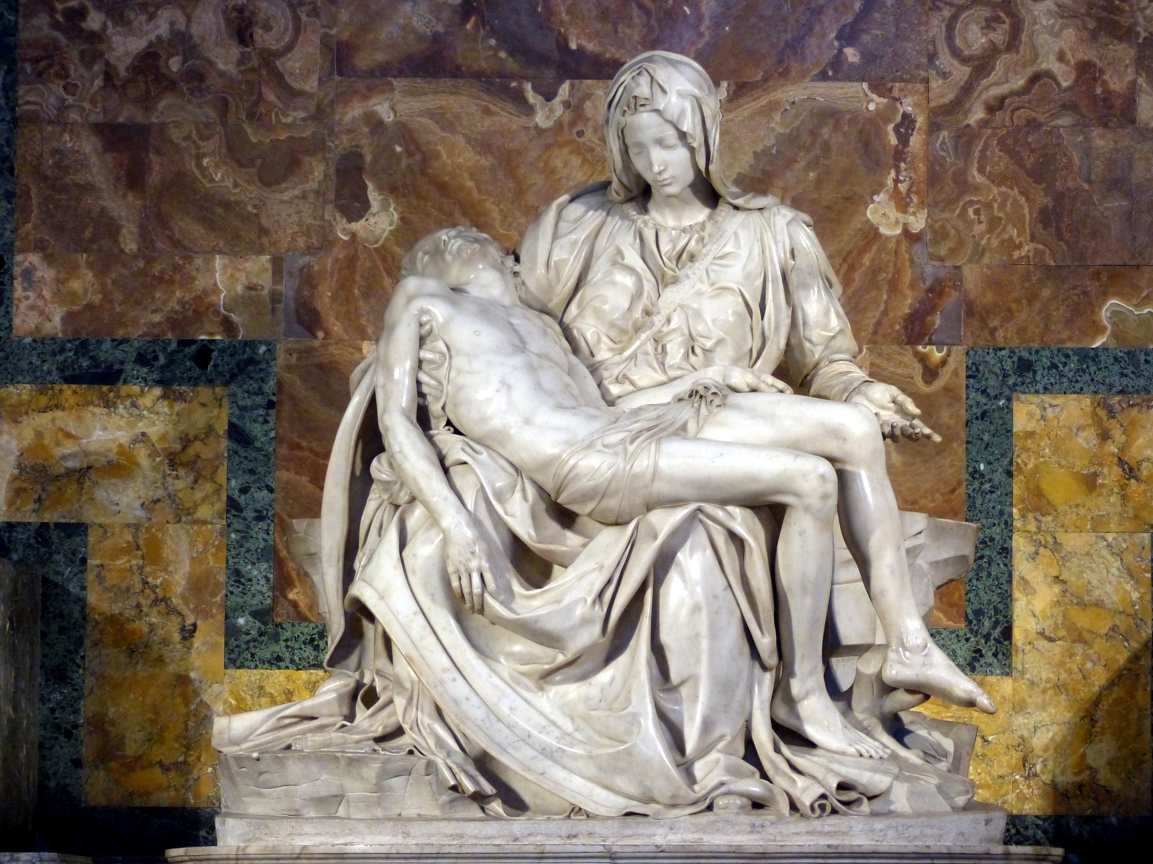 a comparison of michelangelo buonarrotis pieta and marcel duchamps fountain
