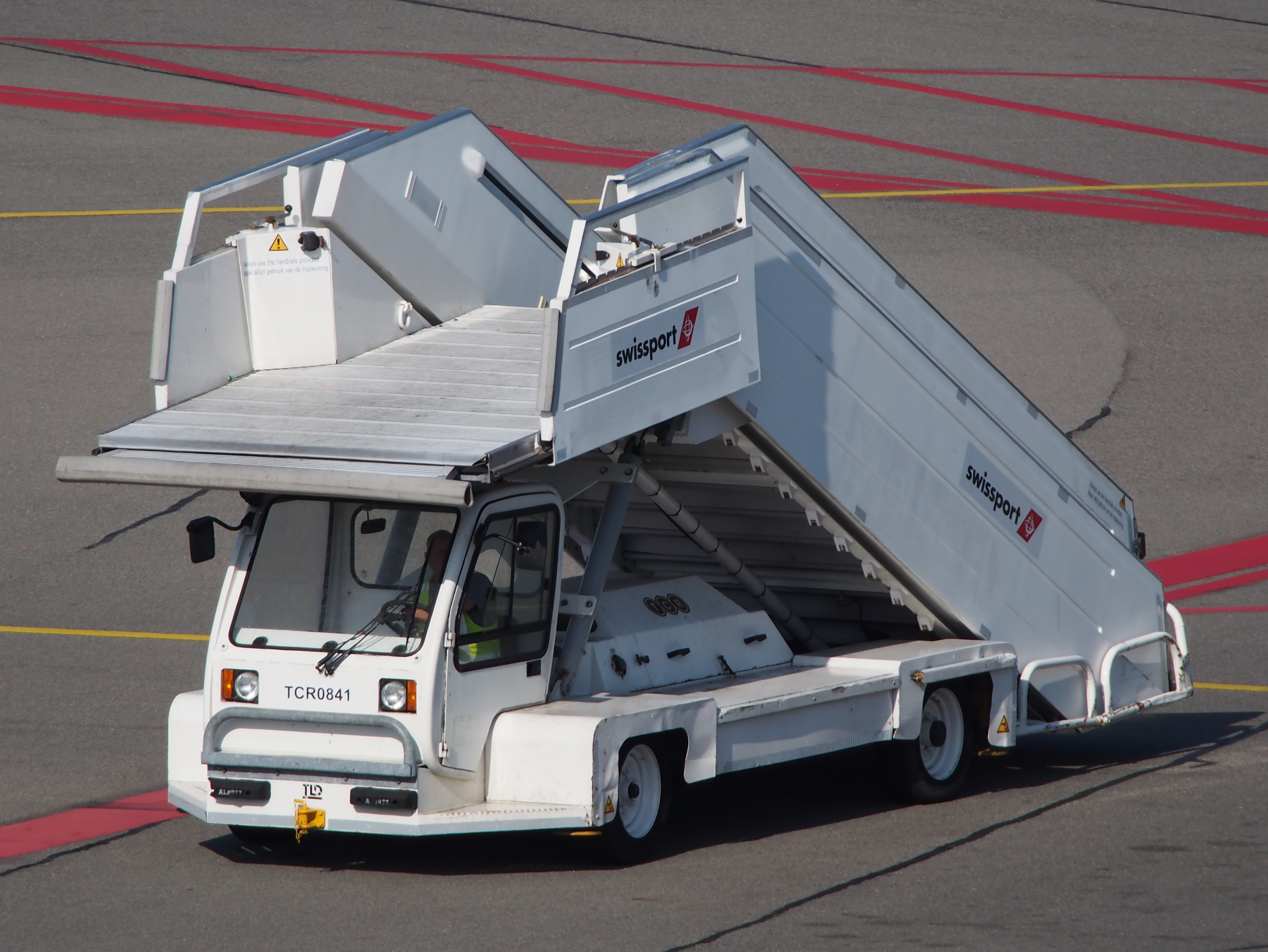 File:Mobile Stairs, Amsterdam Airport Pic1.JPG
