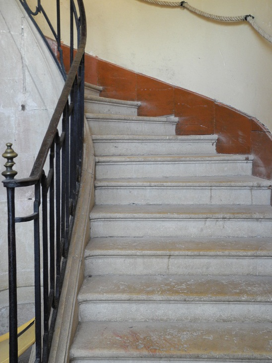Fichier:Montée de l\'escalier, Château de Genlis.jpg — Wikipédia
