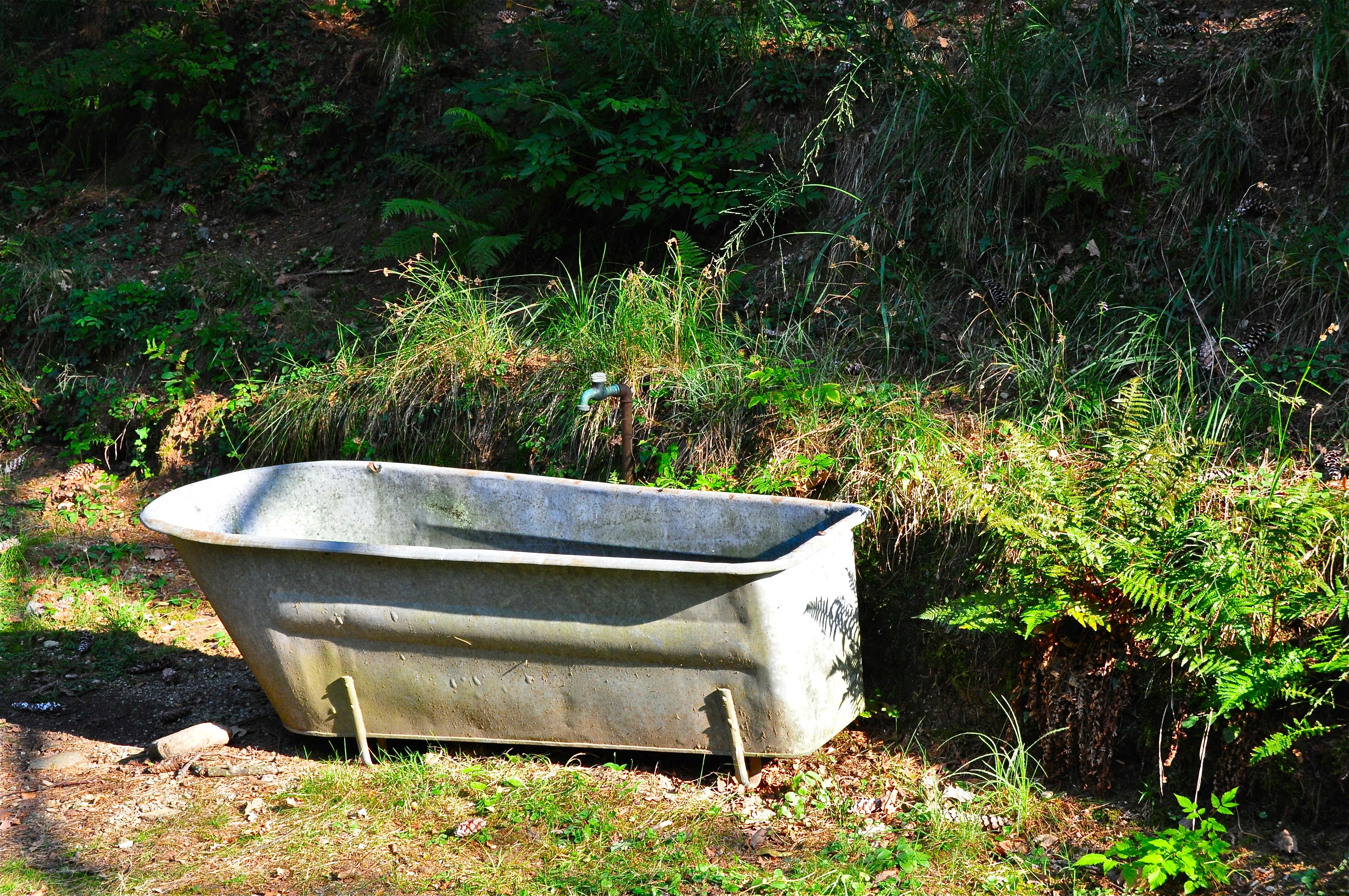File monte verit vasca da bagno jpg wikimedia commons - Vasca da bagno antica ...