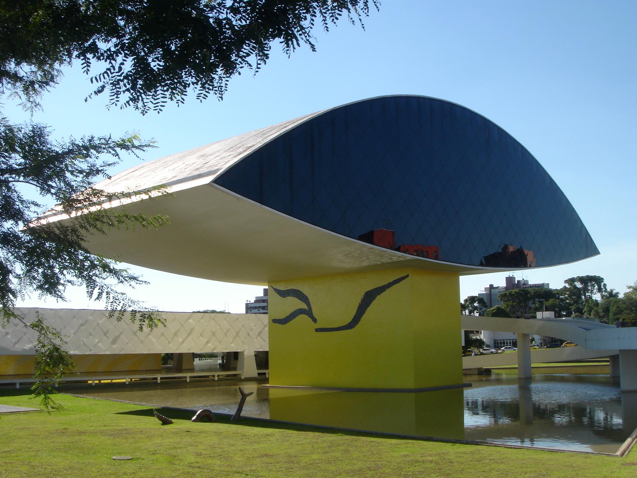 e03f44bcf59856 Oscar Niemeyer Museum - Wikipedia